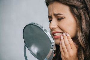 Signs of a Tooth Infection– Advice From Your Cleveland Oral Surgeon